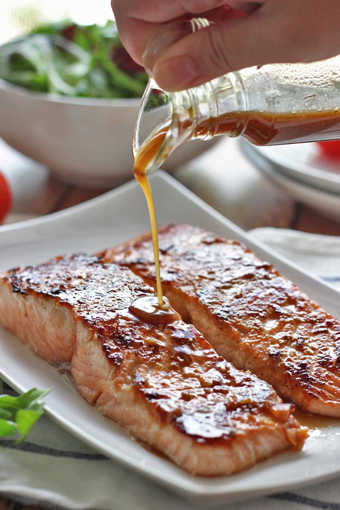 honey-garlic-salmon